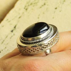 srebro,pierścień,klasyka,onyks czerń,elegancja - Pierścionki - Biżuteria