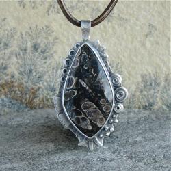 natura,turritella,jaspis muszlowy - Wisiory - Biżuteria