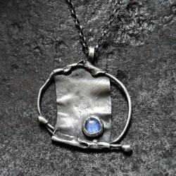Delikatny wisiorek - srebro i kamień księżycowy - Naszyjniki - Biżuteria
