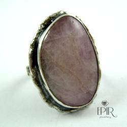 Pierścionek srebrny z kunzytem - Pierścionki - Biżuteria