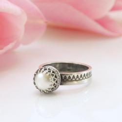 srerbny pierścionek,z perłą,ręcznie robione - Pierścionki - Biżuteria