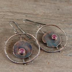 srebrne kolczyki z rubinem - Kolczyki - Biżuteria