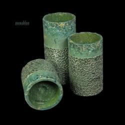 zielone,patynowane,zakuwane,z ornamentem - Świeczniki - Wyposażenie wnętrz
