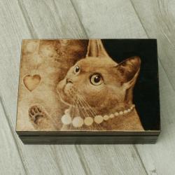 pirografia,kot,wypalanie,serce - Pudełka - Wyposażenie wnętrz