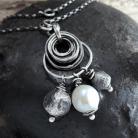 Naszyjniki perła i srebrne kulki - wisior