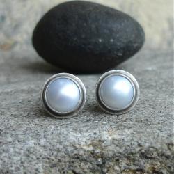 sztyfty z perłą,smiatanka,klasyka - Kolczyki - Biżuteria