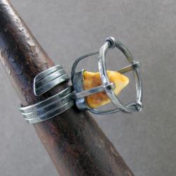 srebro,pierścień,burszty,obwód regulowany - Pierścionki - Biżuteria