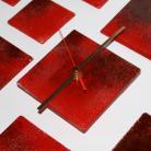 Zegary zegar czerwien szkło stapiane design