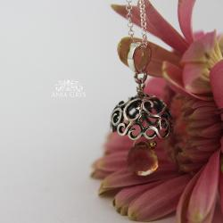 dzwoneczek,ażurowy,efektowny - Wisiory - Biżuteria