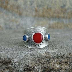obrączka z koralem,surowy - Pierścionki - Biżuteria