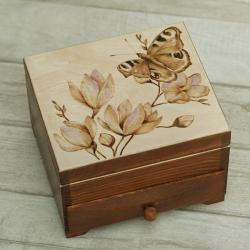 motyle,pirografia,szkatułka - Pudełka - Wyposażenie wnętrz