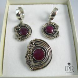 Komplet biżuterii srebrnej z rubinami - Komplety - Biżuteria