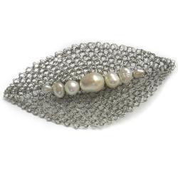 broszka,perły,szydełko,elegancka,pleciona - Broszki - Biżuteria