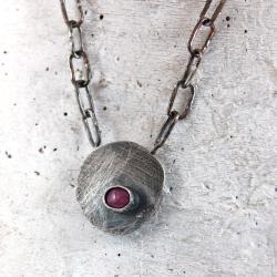 srebrny wisior z rubinem - Wisiory - Biżuteria