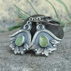 kolczyki z zielonym kamieniem,oliwin surowy - Kolczyki - Biżuteria
