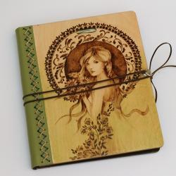 wiosna,kobieta,zieleń,pirografia, - Notesy - Akcesoria