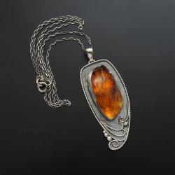 srebrny,wisior,z bursztynem,długi - Wisiory - Biżuteria