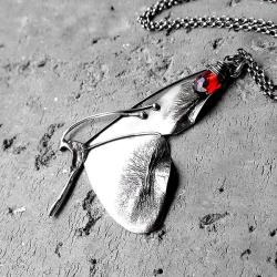 z motylem,elficki,baśniowy,elegancki, - Naszyjniki - Biżuteria