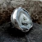 Pierścionki Pierścionek z surowym chalcedonem,srebrny