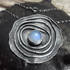 Naszyjniki Naszyjnik srebrny surowy z kamieniem księżycowym