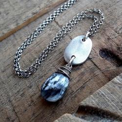 opal,czarno biały,nowoczesny,organiczny,surowy, - Naszyjniki - Biżuteria