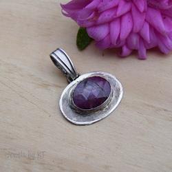 delikatny,owalny,rubin,klasyczny - Wisiory - Biżuteria