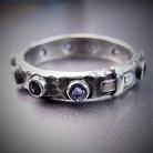 Pierścionki srebrny pierścionek różaniec z iolitami