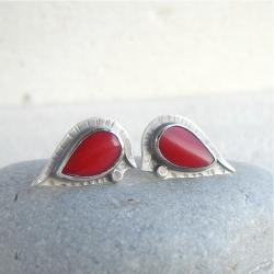 czerwone,koralowe sztyfty,wkrętki - Kolczyki - Biżuteria