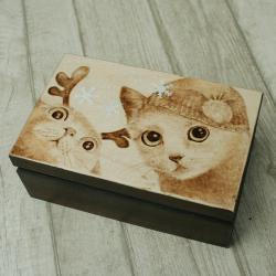 koty,święta,pirografia - Pudełka - Wyposażenie wnętrz