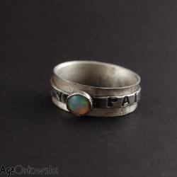 pierścionek,opal etiopski,szeroki,ozdobny - Pierścionki - Biżuteria