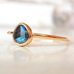 pierścionek,złoto,szafir,niebieski - Pierścionki - Biżuteria