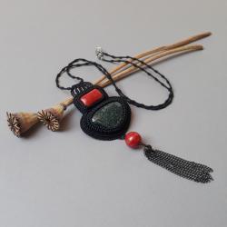 z jaspisem,z koralowcem,naszyjnik,z chwostem,haft - Naszyjniki - Biżuteria