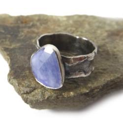 tanzanit,fiołkowy,fiolet,srebrny,blask,surowy - Pierścionki - Biżuteria
