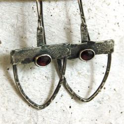 srebrne kolczyki z granatami - Kolczyki - Biżuteria