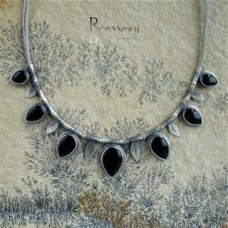 czarny kamień,czerń,baśń,mrok,smocze szkło - Naszyjniki - Biżuteria