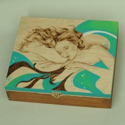 marzycielka,kobieta,pirografia - Pudełka - Wyposażenie wnętrz