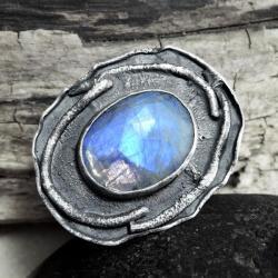 Pierścień z kamieniem księżycowym - Pierścionki - Biżuteria