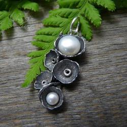 srebrny,oksydowany,romantyczny,perłowy - Wisiory - Biżuteria