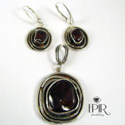 Komplet biżuteriii srebrnej z granatami - Komplety - Biżuteria