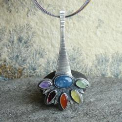 kolorowy wisior,basniowy - Wisiory - Biżuteria