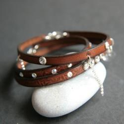 bransoletki skórzane z kryształkami - Bransoletki - Biżuteria