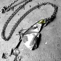 z motylem,awangardowy,uroczy,elegancki, - Naszyjniki - Biżuteria