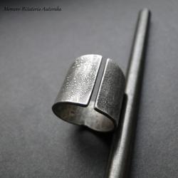 srebro,szeroka,surowa,masywna - Pierścionki - Biżuteria