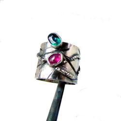 Szeroka obrączka z zielonym topazem i turmalinem - Pierścionki - Biżuteria