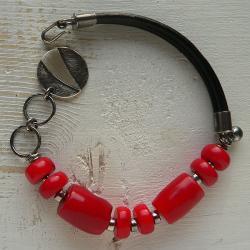 bransoletka z koralem,czerwona bransoletka - Bransoletki - Biżuteria