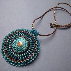 medalion,turkus,ornament,haft koralikowy - Wisiory - Biżuteria