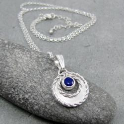 delikatny,drobny,okrągły,wianek,romantyczny - Naszyjniki - Biżuteria