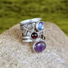 Pierścionki pierścionek z kamieniami