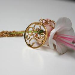 pozłacana rozeta,ażurowy wisiorek - Wisiory - Biżuteria