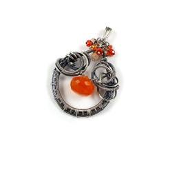 wisiorek,wire-wrapping,pomarańczowy,srebrny - Wisiory - Biżuteria